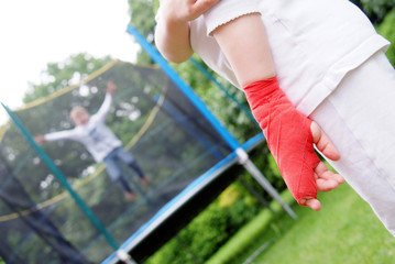 240 F 42542366 gzu1o3HGjpHgJqnnt3FzlspQ3qVtUCW0 - Tips in Avoiding Common Trampoline Injuries