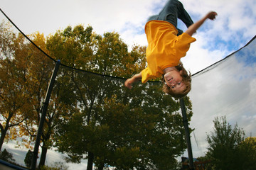 240 F 7639348 OfKBIw1IjM0vGj0EkSwg7XT4Ef0C83vN - Fifteen Trampoline Safety Tips for Kids